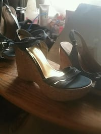 pair of brown leather open-toe wedge sandals Prineville, 97754