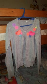 Sweater Kitchener, N2E 1L6