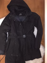 MOVING SALE! The North Face Women's Down Parka size L $120 OBO Vancouver, V6Z