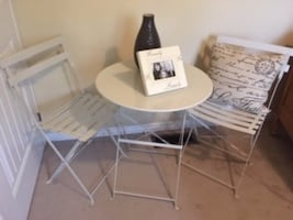 Chabby Chic look bistro set