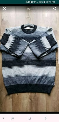 black and gray scoop neck sweater Roselle, 60172