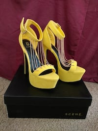 New Women's Yellow Pr. Dress Shoes 6.5-7  Corona, 92880