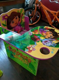 2 Dora toddlers desk Solvay, 13209