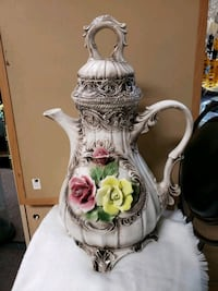 Large CAPODIMONTE Pitcher Vase With Lid Las Vegas, 89122