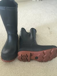 Child size 10 rubber boots Hagerstown, 21742