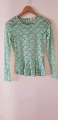 Green lace long sleeve top small brand new