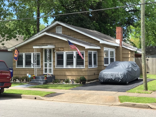 HOUSE For Sale, 15min from Everywhere!