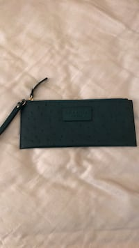 Authentic Kate Spade Wristlet Burke, 22015