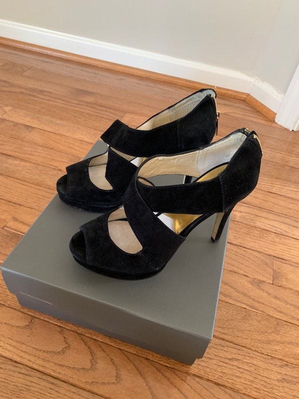 Michael Kors Black Heels about 4inches heel cbad14aa-be85-4676-a775-6de4f58bac7a