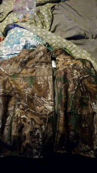 brown and green camouflage zip-up jacket Ravenna, 49451