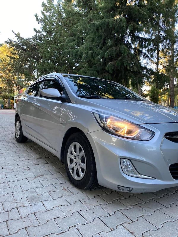 2012 Hyundai Accent Blue 1.6 CRDI MODE 7