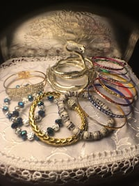 14 LOT BANGLES  & BRACELETS GREAT STOCKING STUFFERS Winthrop, 02152