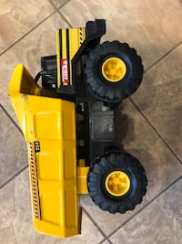 yellow and black Tonka haul toy truck Monroeville, 15146