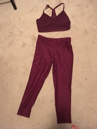 women's maroon and white pants Vancouver, V6K 1P4