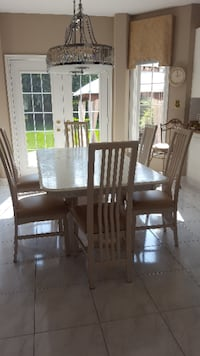 WHITE WASH SOLID OAK KITCHEN/DINING TABLE SET