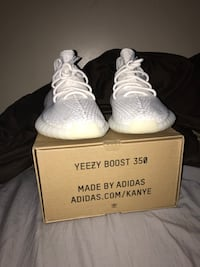 V2 creams Yeezy 350 Boost  Lincoln, 68510