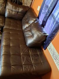 tufted brown leather 3-seat sofa Winchester, 22602