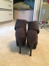 Forever 21 pump boots size 8 Potomac, 20854