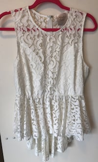 Large lace top Toronto, M4S 0A2