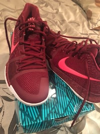 Kylie Irving  8 nike basketball shoes size 9 Odenton, 21113