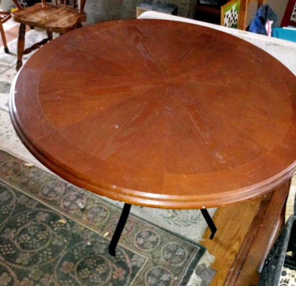 Used Kitchen Table And Chairs: Used Round Kitchen Table And 4 Chairs For Sale In Slidell