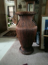 brown wicker base with black lampshade table lamp Des Moines, 50317