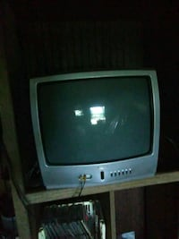 gray CRT TV with remote Navarre, 32566