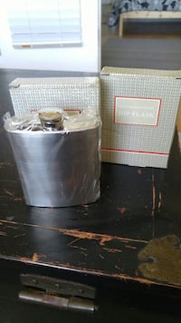 2 Stainless Steel 7oz Flasks NEW never been used