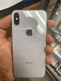 Factory Unlocked Apple iPhone X 256 gb, Sold with warranty