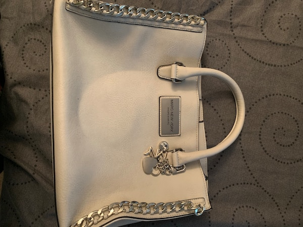 Marc New York Purse 8ef35908-d573-42fc-8dbd-edbf3141306d