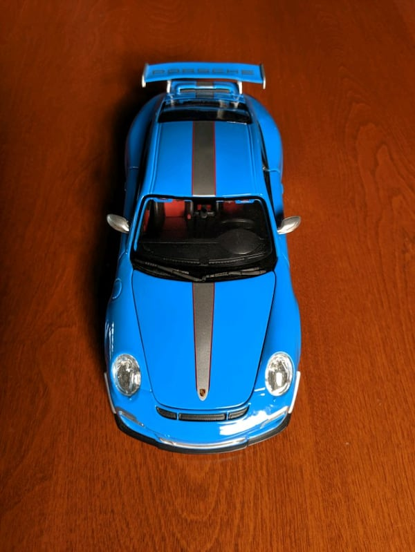 *Perfect condition* Openable 1:18 Porsche 911 GT3 RS 4.0 3448dfd8-8b34-4e62-959d-d0a91f86bf67