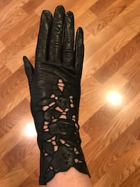Leather antique lace gloves