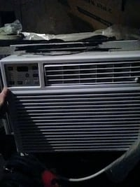 GE Airconditioning window unit! Price negotiable The Village, 73120