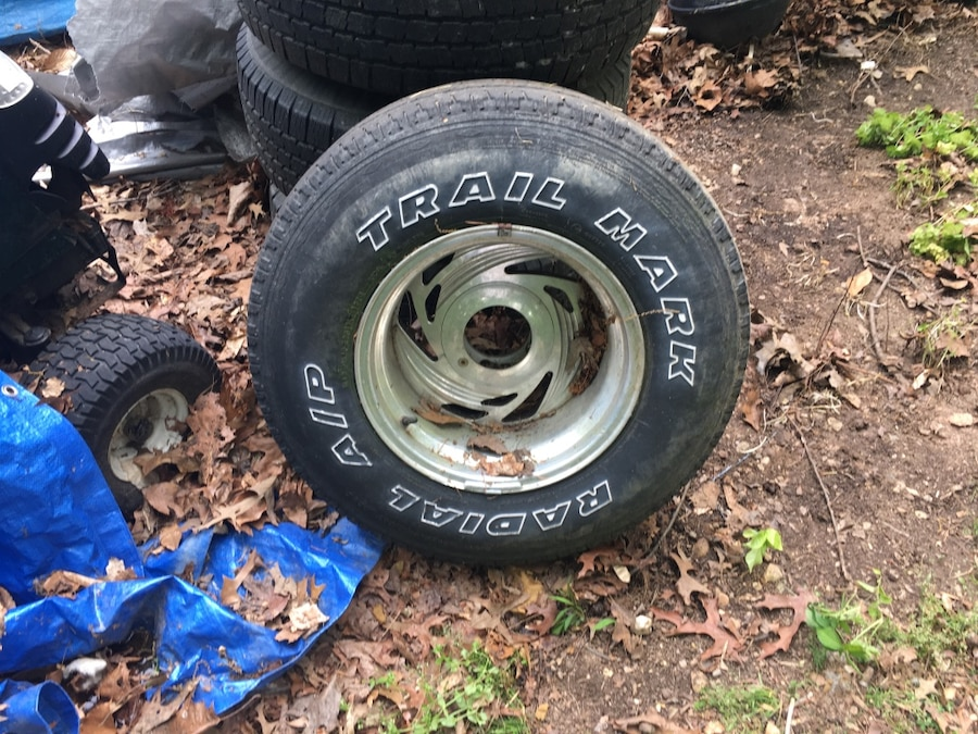 Used Black Trail Mark Rubber Tire 31 10 50 15 Ford Truck