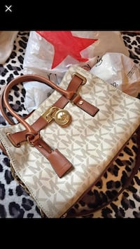 brown and white Michael Kors monogram tote bag Manassas Park, 20111