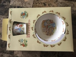Royal Doulton Bunnykins set vintage