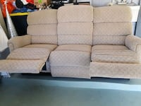 La-Z boy recliner couch Kissimmee, 34741