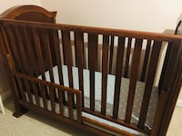 Solid Wood crib / toddler bed Fairfax, 22033
