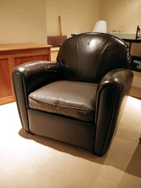 Leather armchair Waterloo, N2V 2V5