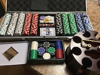 600 POKER CHIPS AND CHIP CAROUSEL Joliet, 60433