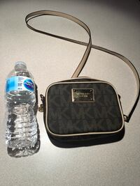 Michael Kors mini crossbody Mississauga, L5N 2H4