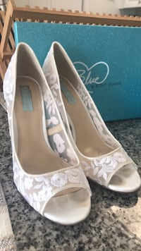 White Bridal Betsy Johnson High Heels Fairfax, 22033