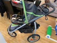 Graco Click Connect Stroller w/2 car bases