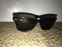 Black ray-ban wayfarer sunglasses with black frames 1968 km