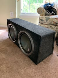 """2 kenwood 12"""" subwoofers + 1000w amp and capacitor   Crofton, 21114"""