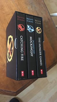 Hunger games book set Halifax, B3M 1H1