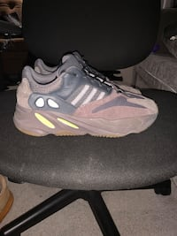 "Yeezy 700 ""Mauve"" Lower Sackville, B4C 1X1"