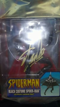 Stan lee autographed black spiderman  Pueblo, 81005