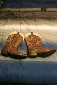 pair of brown leather cowboy boots Muldraugh, 40155