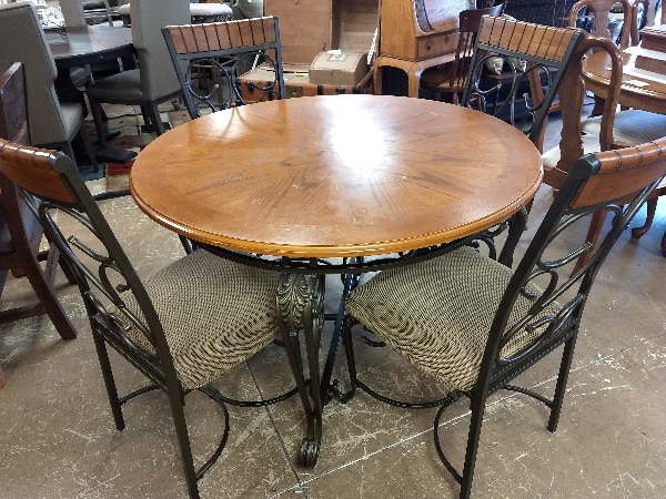 30586 Round Dining Table Set with 4 Kitchen Chairs / Metal Base